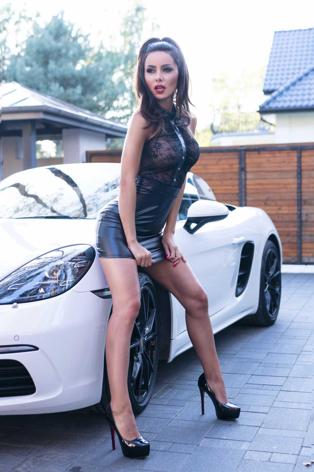 Sukienka CR 4340 Black - Chilirose