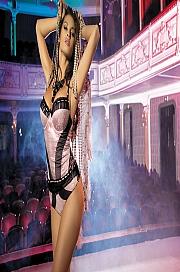 Kinga Lingerie - Gorset Rouge 1590 + stringi GRATIS! czarno-różowy