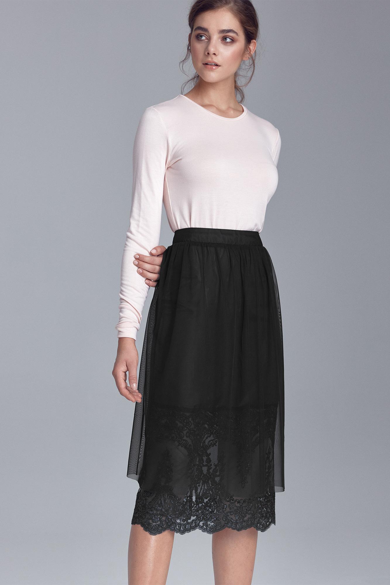 Nife - Czarna spódnica z koronką 4