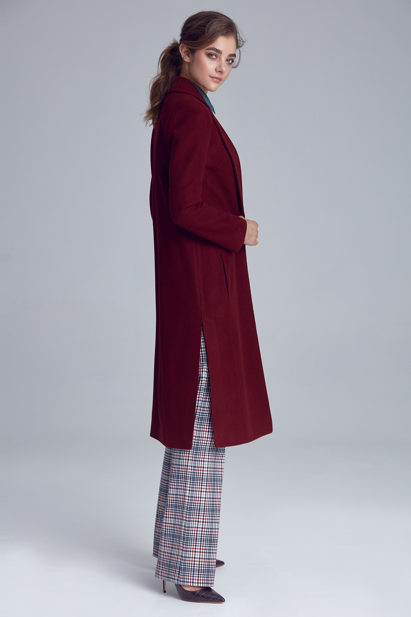 Nife - Bordowy płaszcz damski jednorzędowy 4