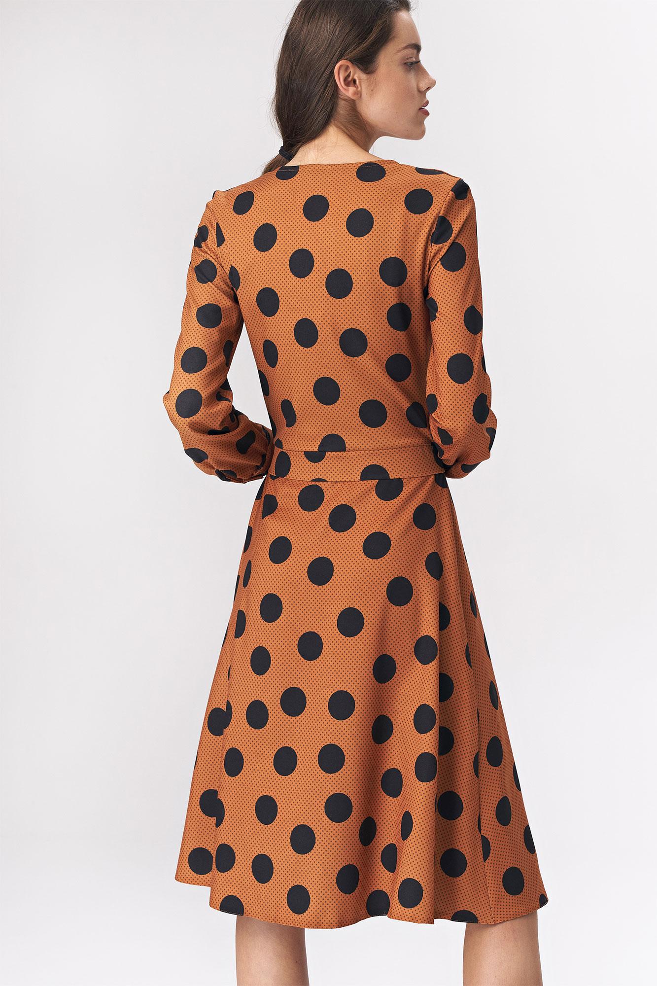 Nife - Brązowa rozkloszowana sukienka w grochy 4