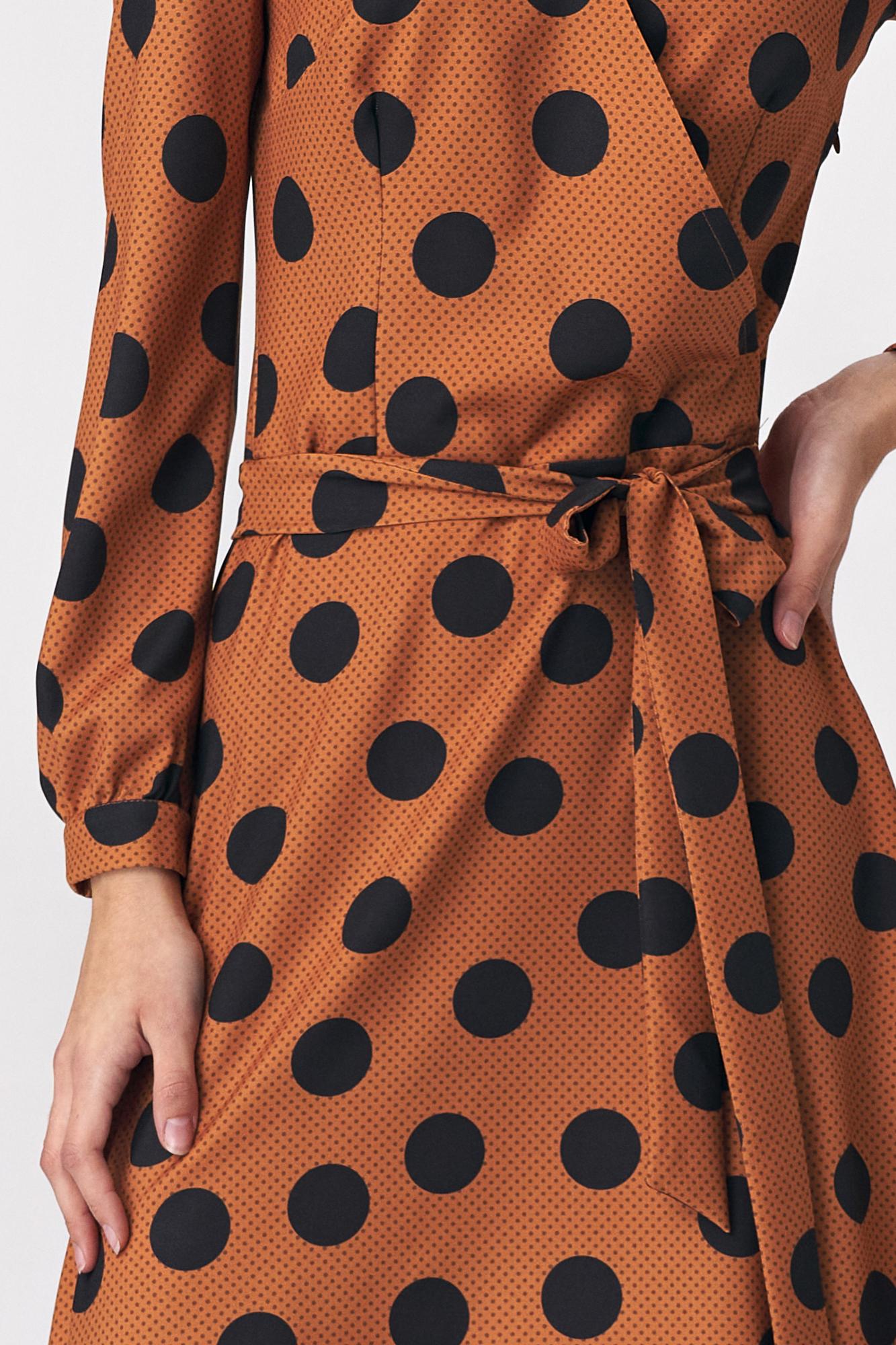 Nife - Brązowa rozkloszowana sukienka w grochy 3