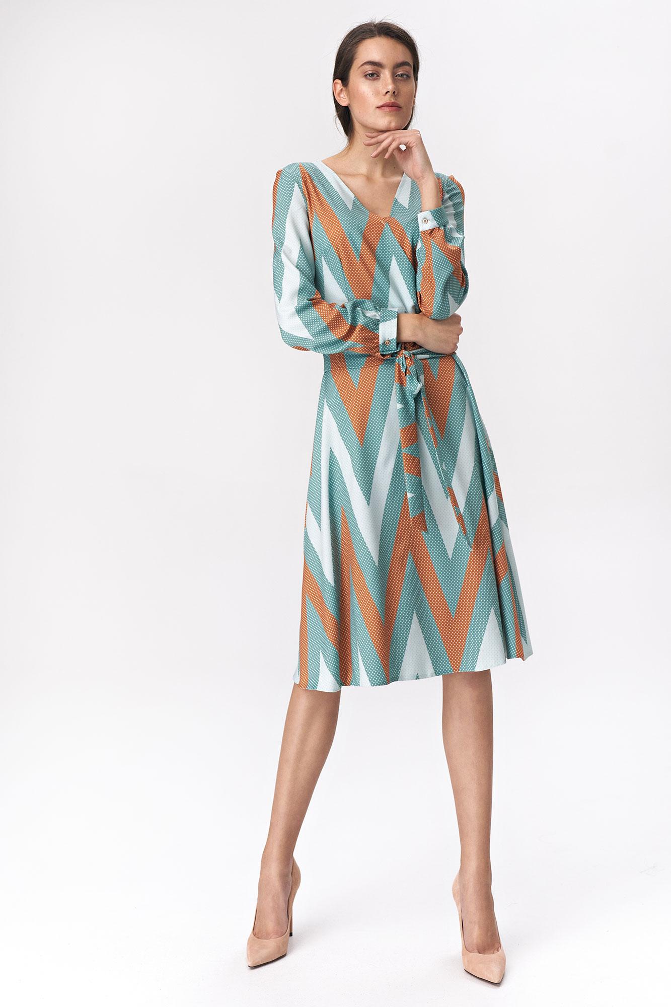 Nife - Rozkloszowana turkusowa sukienka midi w zygzak 3