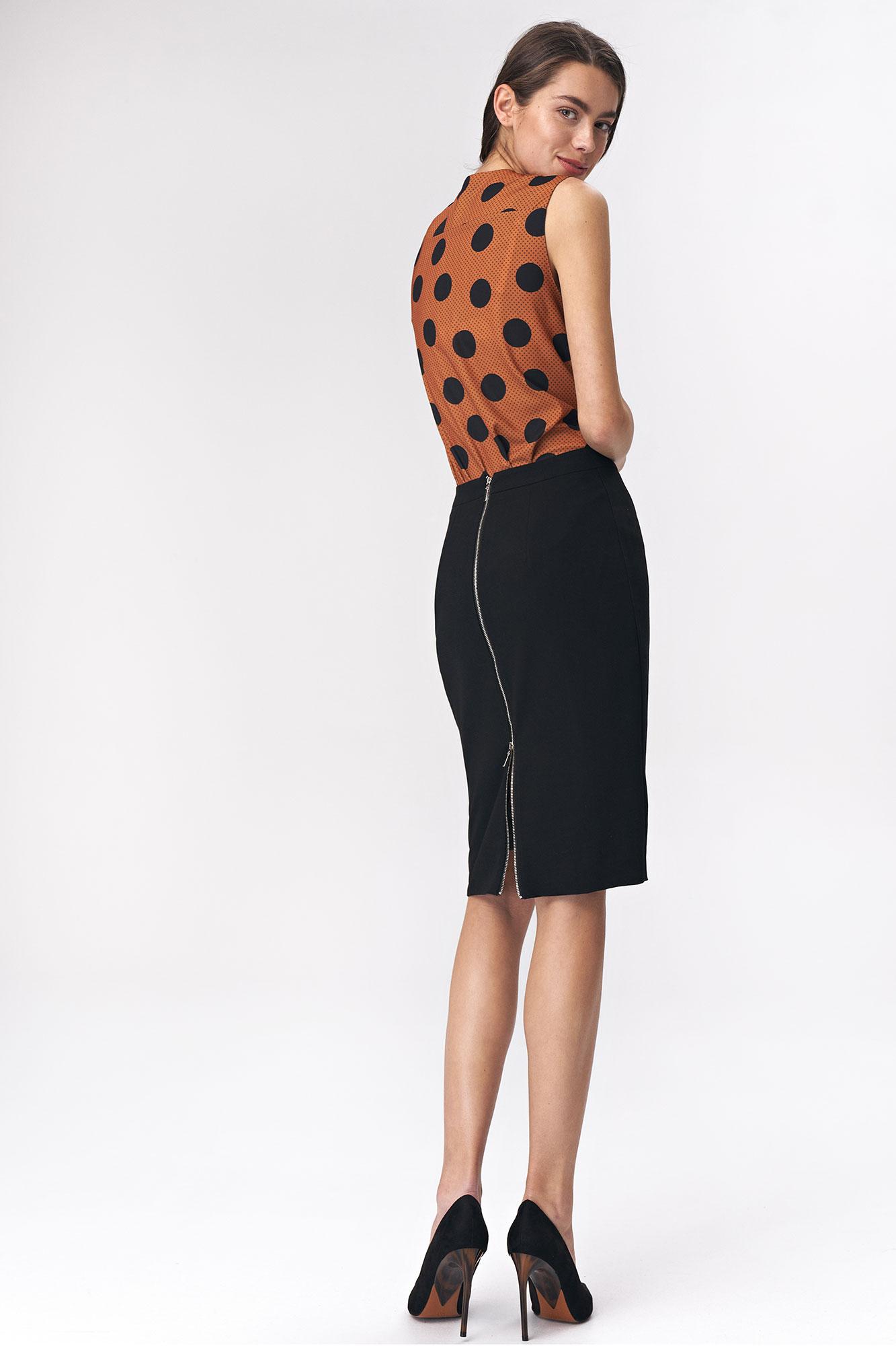 Nife - Czarna ołówkowa spódnica z dekoracyjnym zamkiem  4